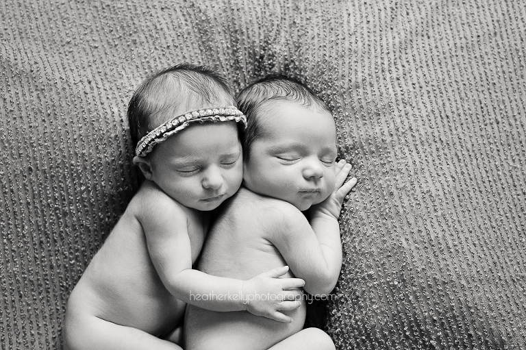 twin newborn photography ct. boy girl twins on beanbag