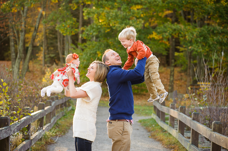outdoor fall family photographer in CT