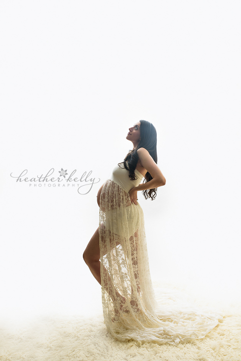 unionville ct maternity photographer 34 weeks pregnant