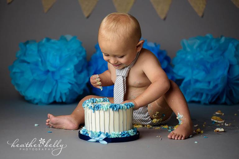 cake smash with boy in tie