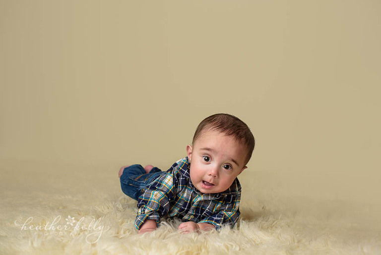 6 month boy doing tummy time